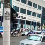 Vários curiosos estiveram em frente a prefeitura Foto: Divulgação/ WhatsApp/ Jhonatan dos Santos